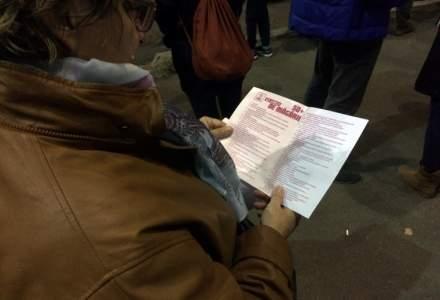 Firea, despre proteste: Opozitia intineaza protestul cetatenilor