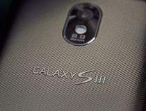 Samsung Galaxy S III apare in...