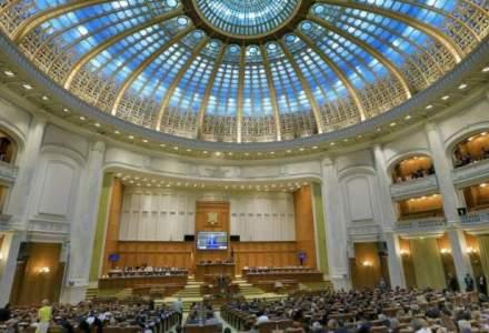 Scandal in Parlament: Modificarile la statutul magistratului, in dezbaterea plenului Camerei