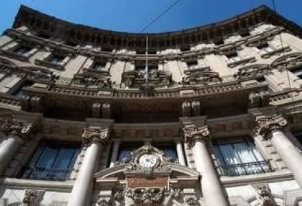 S&P a retrogradat 34 de banci italiene, printre care si UniCredit