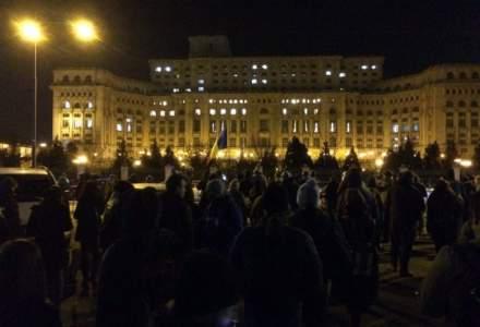 Protestele continua si astazi in fata Parlamentului