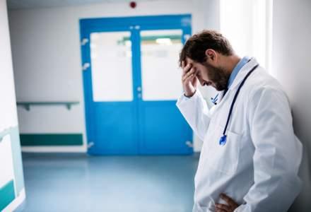 Studiu: Peste 30.000 de medici si cercetatori romani lucreaza in strainatate