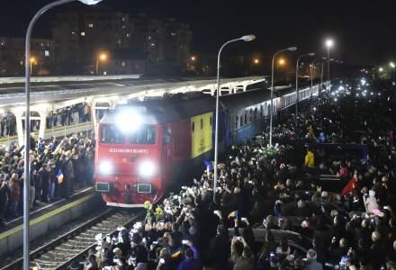 Zeci de mii de oameni au participat la inmormantarea Regelui Mihai. Orasul Curtea de Arges, blocat