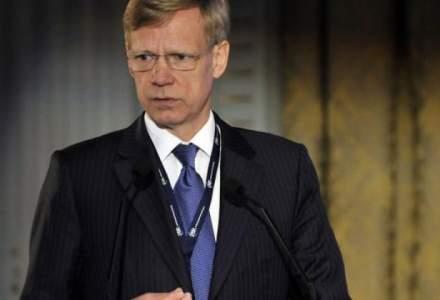 Presedintele Raiffeisen Bank: Costurile transpunerii excesive a directivelor, suportate de intreaga societate