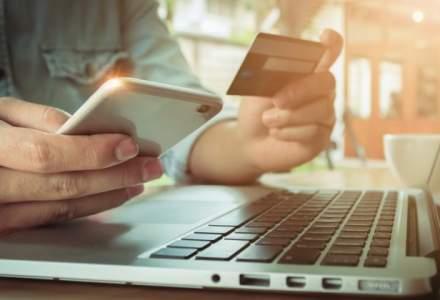 Romanii au facut cumparaturi online de 2,8 miliarde de euro in 2017: Plata cu cardul a crescut, dar rambursul ramane la putere