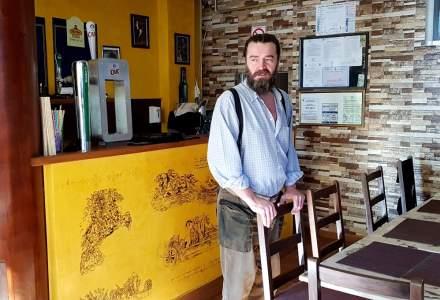Review George Butunoiu: O pizzerie de burlaci