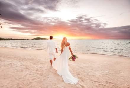"Romanii incep sa lase deoparte nunta traditionala si aleg plajele exotice ca sa spuna ""DA"""