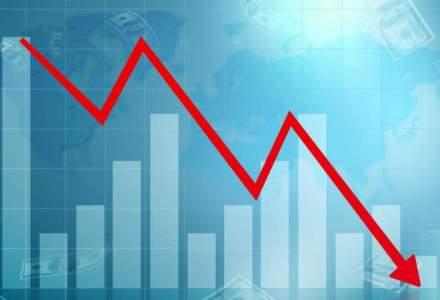 Leul, la un nou minim istoric in fata euro din cauza crizei politice