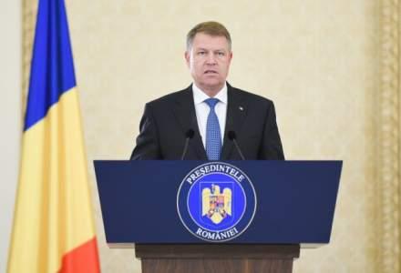 Klaus Iohannis sesizeaza CCR pe legea care ar permite alesilor sa faca afaceri