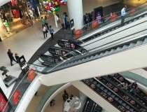 Prosecco si macarons in mall...