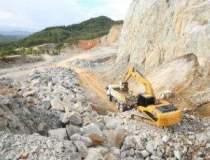 Minerii din valea Jilui cer...