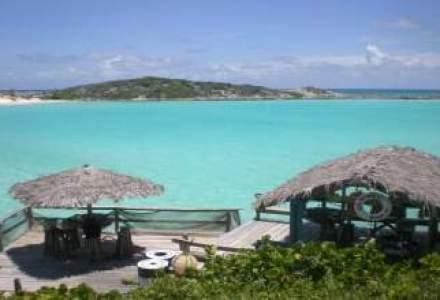 Vacanta in Bahamas: Placeri simple ca degustarea unui cocktail cu rom si plaja la apusul soarelui
