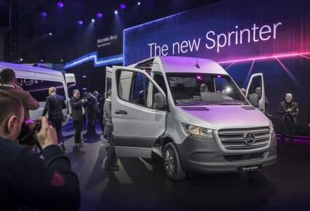 Noua generatie Mercedes-Benz Sprinter a fost dezvaluita la Duisburg. Nemtii mizeaza pe conectivitate, o versiune electrica si preturi de la 20.000 euro fara TVA