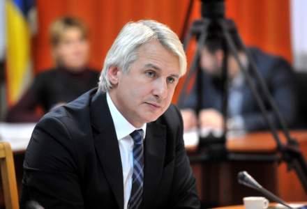 Eugen Teodorovici promite ca va plafona contributiile datorate de persoanele aflate in concediu medical la nivelul anului trecut