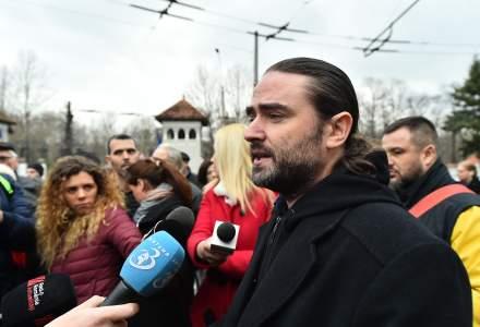 Protest anti-Iohannis la Cotroceni. Printre manifestanti, Liviu Plesoianu, care il acuza pe presedinte de a o acoperi pe Kovesi