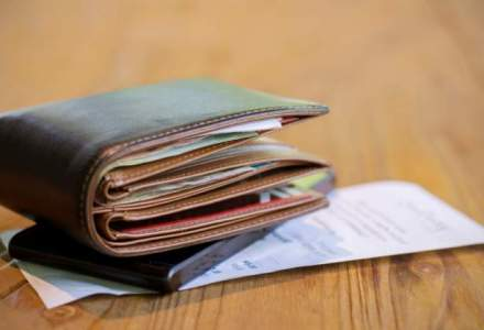 Guvernul pregateste o ordonanta prin care sa permita primariilor sa cheltuiasca excedentul bugetar pe plata salariilor