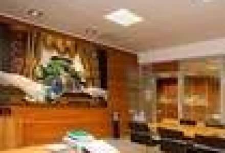 Intre clasic si modern: Cum arata biroul unui milionar