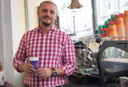 Viorel Stoiean, ex Starbucks: Reteta succesului? Espressoare, cafea de maxim o luna, barista bine antrenati