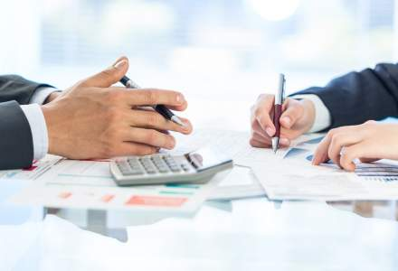 Cum arata rezultatele financiare ale companiilor din esalonul al doilea de pe bursa: Medlife dezamageste la primul raport financiar