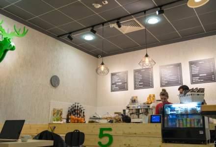 """Fondatorul cafenelelor 5 To Go vrea sa vanda si produse mai scumpe: """"Incercam sa bagam produse pe care nu ai cum sa le vinzi la 5 lei"""""""