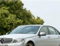 Mercedes ataca BMW la...