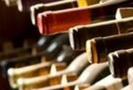 Alain Delon isi vinde colectia de vinuri