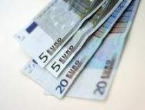 Euro ajunge la cel mai scazut...