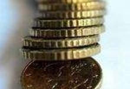 Leul, noi maxime in raport cu euro si dolarul