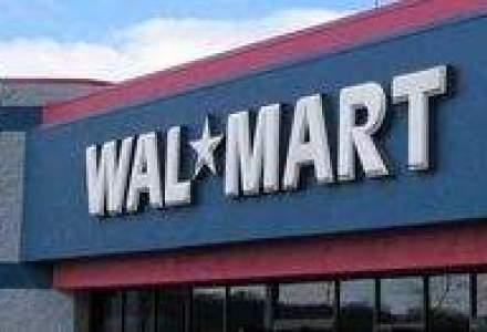 Compania Wal-Mart, data in judecata de o fosta angajata