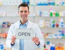 32 de farmacii cu program...