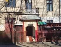 Review George Butunoiu: Casa...
