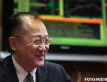 Americanul Jim Yong Kim preia...
