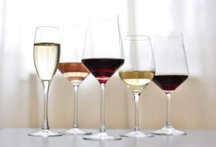 Cantitate de zeci de mii de litri de vin falsificat din Bulgaria, retrasa din comert inainte de Paste