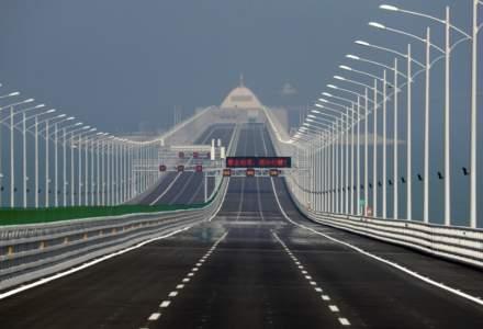 China bate un nou record la infrastructura: un pod de 55 km lungime a fost inaugurat. Este cel mai lung pod din lume peste mare si are o garantie de 120 de ani