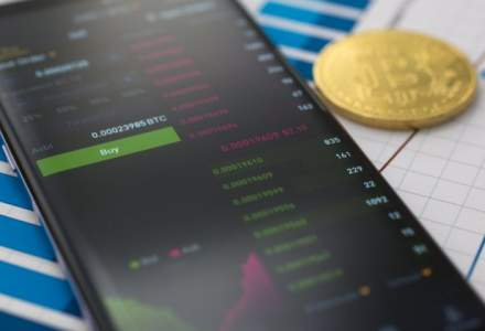 Samsung se uita la tehnologia din spatele criptomonedei bitcoin: Ne va reduce costurile cu 20%