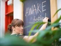 Noi artisti pe scena Awake...