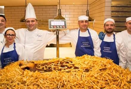 Poveste de Guinness World Records: Sase romani au gatit cea mai mare portie de fish&chips din lume
