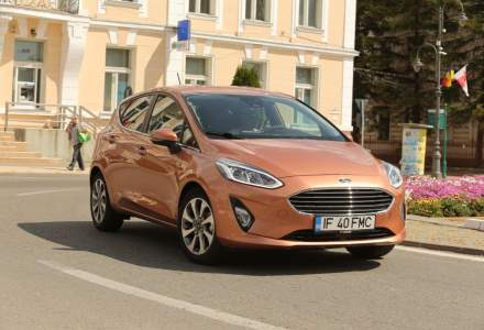 Ford Fiesta si Renault Clio se lupta anul acesta pentru locul 2 la vanzari in Europa. VW Golf ramane numarul 1