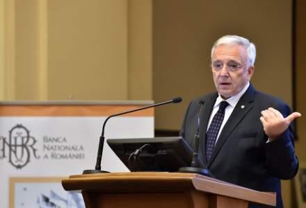 Isarescu, explicand diferenta de viziune dintre BNR si Guvern: Daca gresim noi, mai putem sa dam ceva! Daca nu, cineva va trebui sa ia!