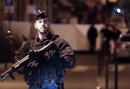 """Atac cu cutitul la Paris: Parchetul antiterorist sesizat, agresorul a strigat """"Allah Akbar"""" potrivit martorilor"""