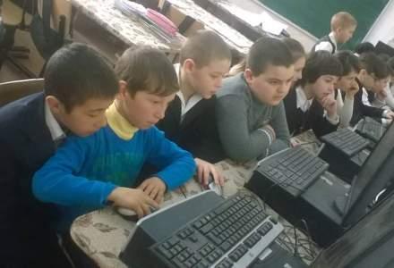 Asociatia Ateliere Fara Frontiere: Peste 12.000 de computere reciclate, donate scolilor defavorizate din Romania