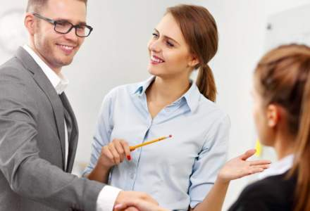 Studiu: 34% dintre angajatori au probleme in a gasi angajati cu studii medii
