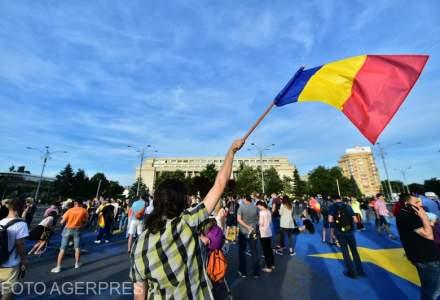 Protest in Piata Victoriei: aproape 2.000 de oameni au iesit in strada, dupa decizia CCR privind revocarea sefei DNA