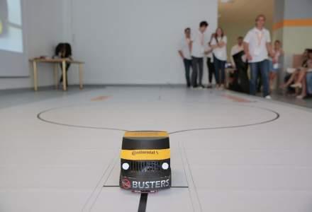 Studenti romani au creat masini care decid singure ce traseu sa urmeze