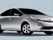 Toyota amana lansarea noii...
