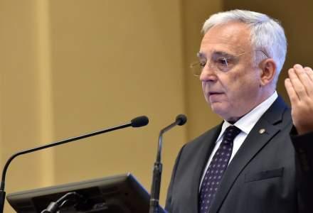 Mugur Isarescu: Riscul de nerambursare are multe cauze, inclusiv unele initiative legislative neinspirate