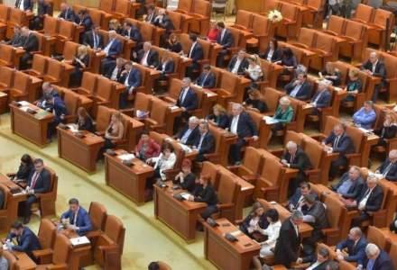 "Regulament intern modificat. Cum vor fi ""pedepsiti"" deputatii care perturba dezbaterile in plen"