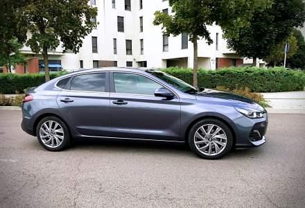 Test drive cu Hyundai i30 Fastback, un coupe de familie