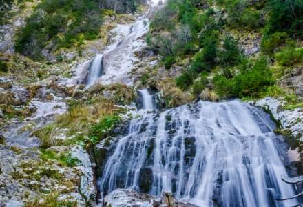 VIDEO Loc de vis in Romania. Cascada Cailor: una dintre cele mai frumoase si impresionante cascade din Maramures