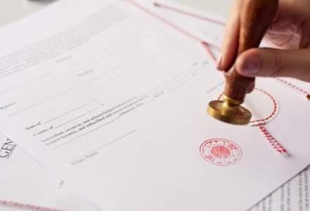 Tehnologia din spatele criptomonedei bitcoin poate sa inlocuiasca notarii din Romania? Ce spun avocatii